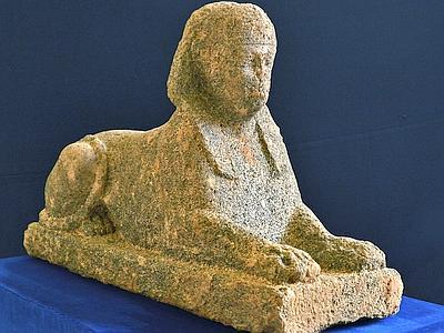 Recuperata sfinge egizia da scavi clandestini