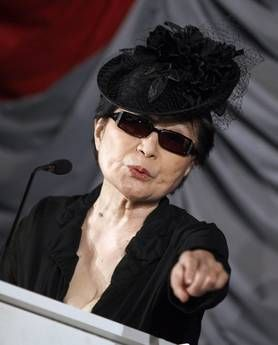 Yoko Ono compie ottant'anni