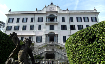 Il risveglio di Villa Carlotta. Arte e Natura vista lago. Le immagini e i colori