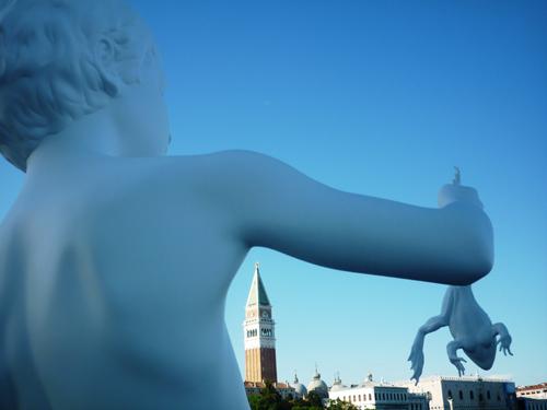 Venezia: addio al ragazzo con la rana di Ray