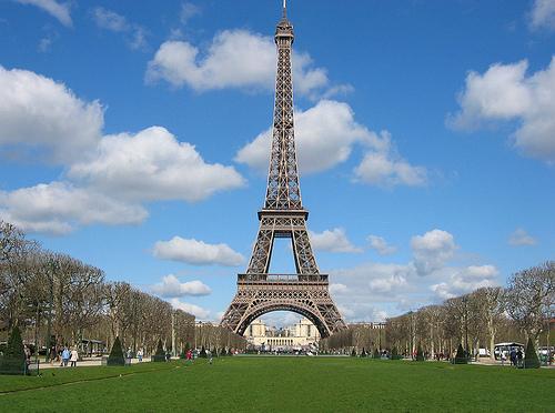 Visita alla Torre Eiffel? No, chiusa per sciopero!