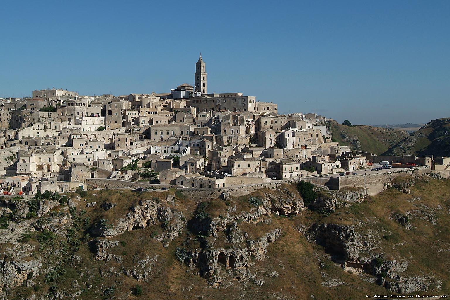 La crisi mette in croce Matera: addio alle Grandi Mostre nei Sassi