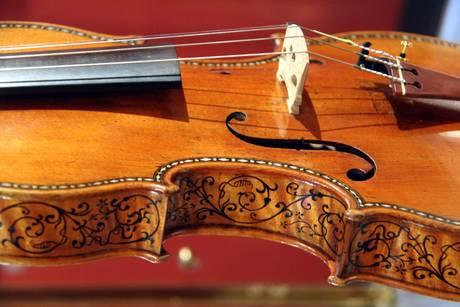 Raggi X svelano i segreti dello Stradivari