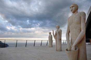 Paladino Ravello. Connubio perfetto fra scultura e paesaggio