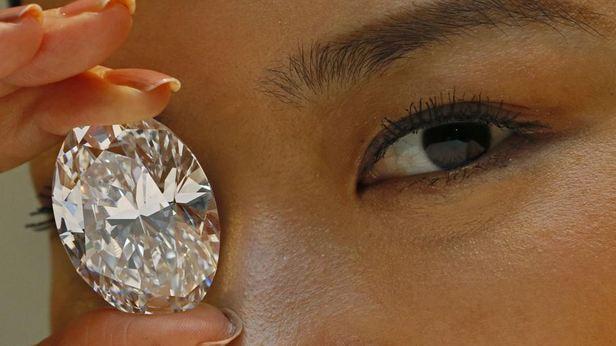Un diamante grande come un uovo (118 ct) venduto per 27,3mio$ a HK