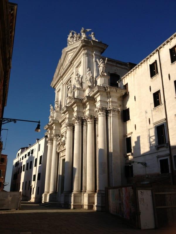 Una mostra fotografica all'ex convento dei Crociferi di Venezia