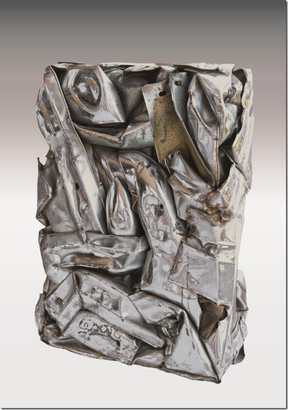 CÉSAR (César Baldaccini, dit) (1921-1998) Compression de pièces métalliques Pièce unique signée 60 x 42 x 15,5 cm Provenance : Ancienne provenance Galerie Ferrero acquise dans les années 80 35 000/50 000 € (Vente le 13 juillet 2014)