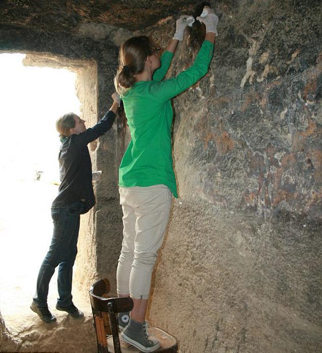 Tomba con parete dipinta vicino alle piramidi di Giza