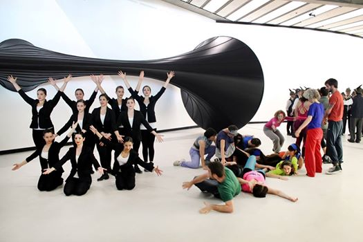 Premio MAXXI. Marinella Senatore con The School of Narrative Dance
