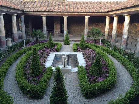Pompei, Casa degli Amorini Dorati