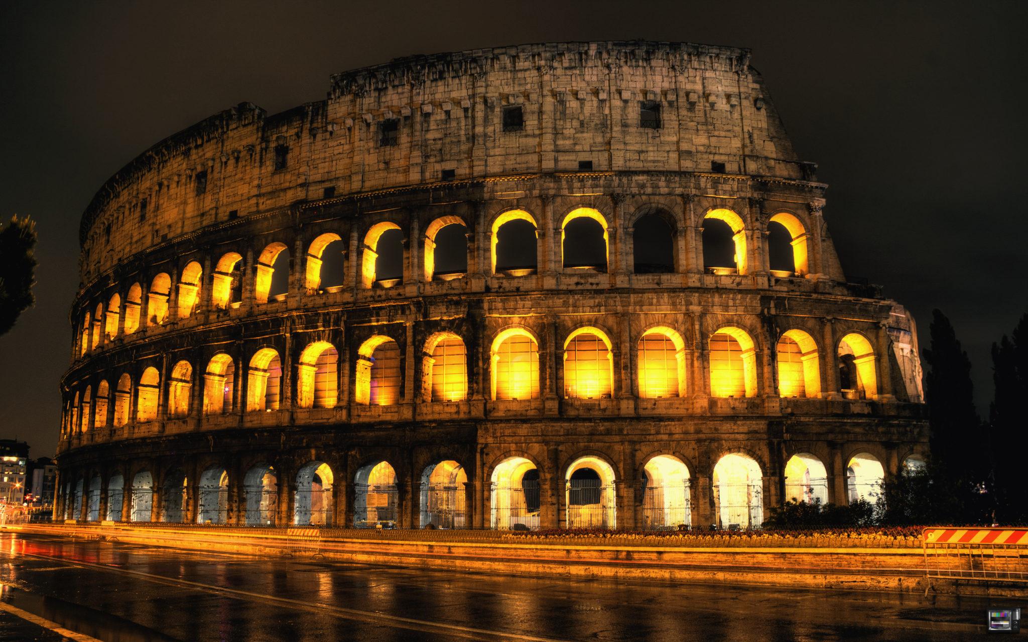 colosseo di notte roma