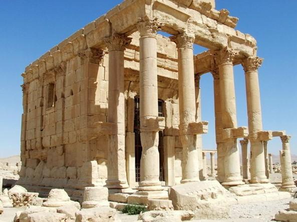 Palmira – Isis distrugge l'antico tempio di Baal Shamin