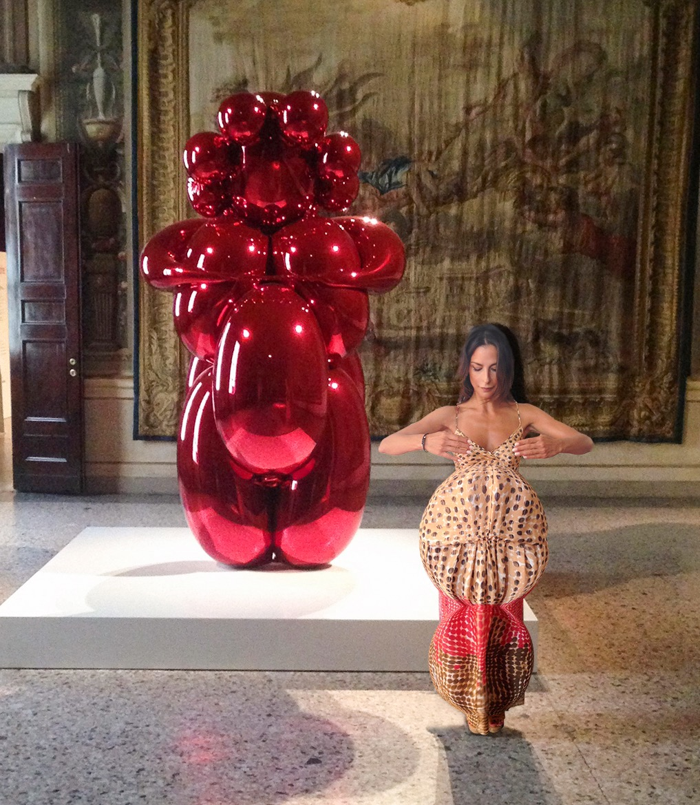 "#SELFIEADARTE #LaGrandeMadre, Palazzo Reale, Fondazione Nicola Trussardi @CleliaPatella ""Baloon Venus"" di Jeff Koons"