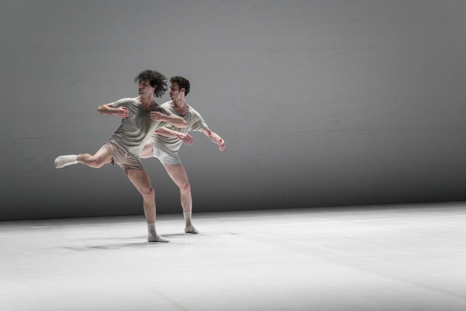 Robinson chiude le danze all'Elfo Puccini di Milano