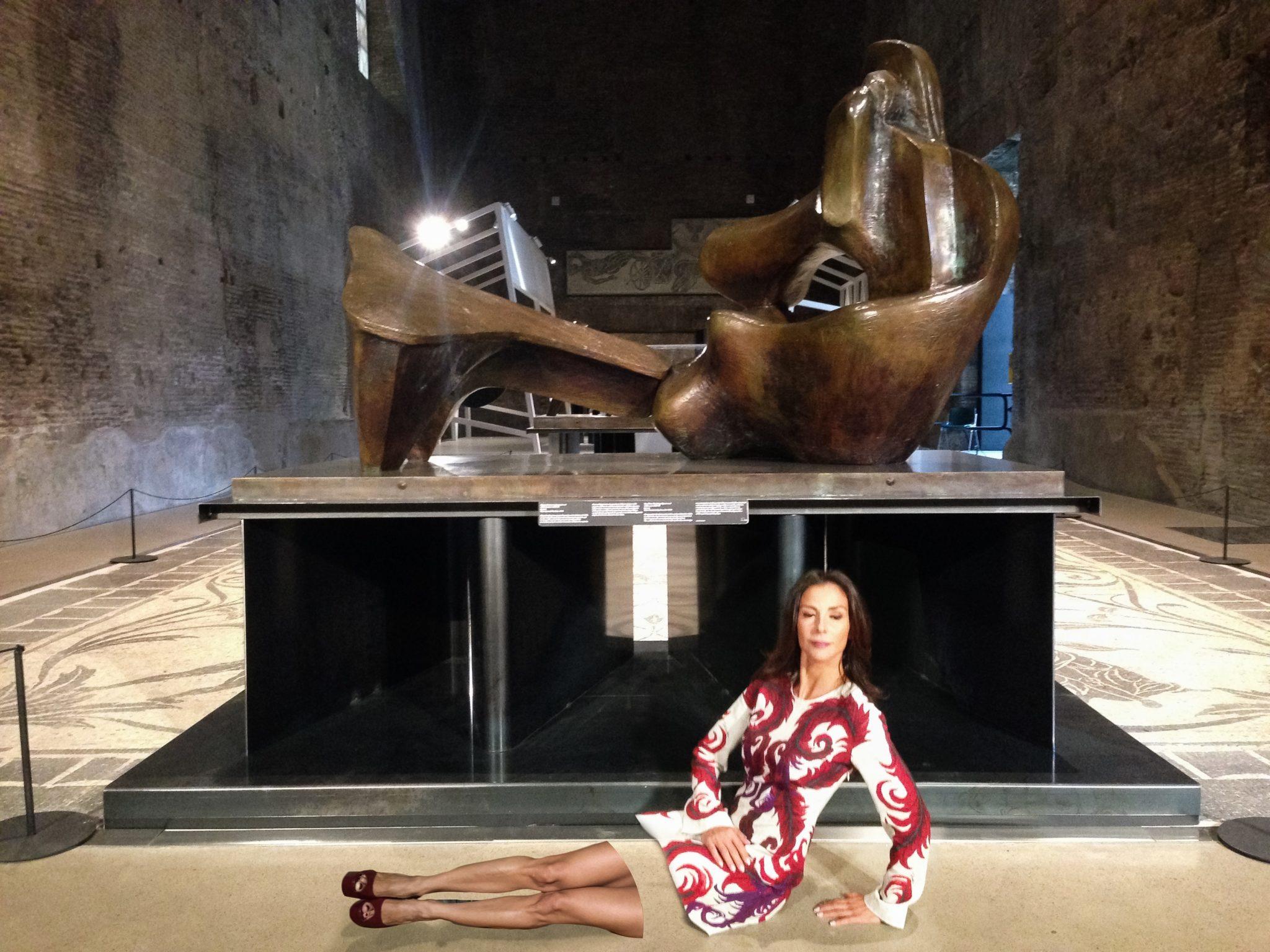 "#SELFIEADARTE ""Figura distesa in due pezzi"", 1968 Henry Moore @CleliaPatella #Terme di Diocleziano"