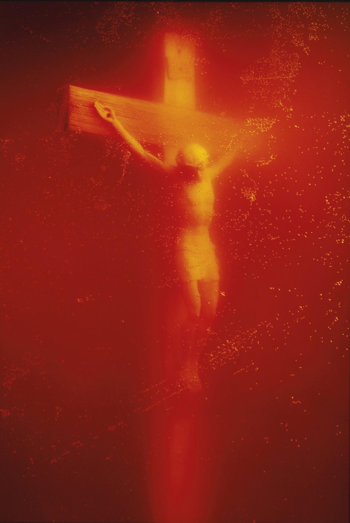 Contro la censura Piss Christ di Serrano a Photolux