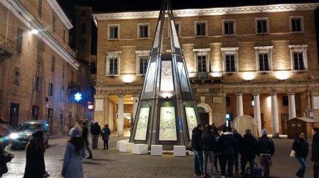 Sgarbi rassegna dimissioni da assessore alla Rivoluzione a Urbino
