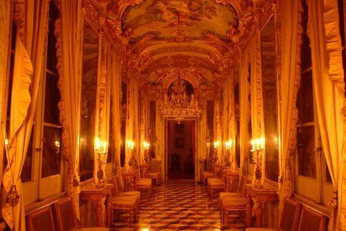Genova. Palazzo Spinola a lume di candela
