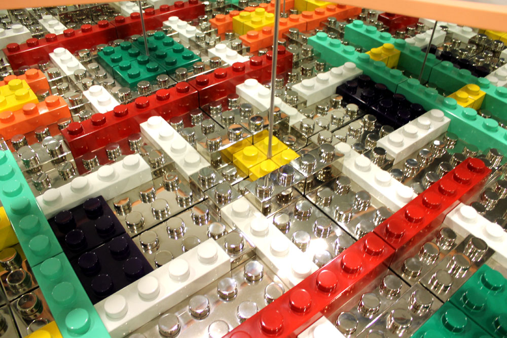 Multiplicity di Matteo Negri. LEGO ad arte