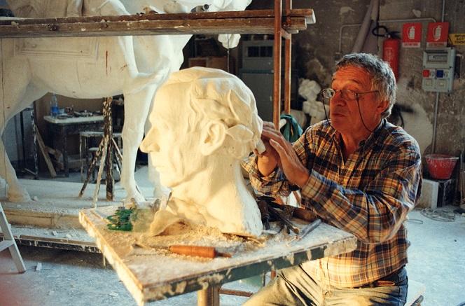 Bodini lavora alla testa di Sughi per i Sette di Gottinga