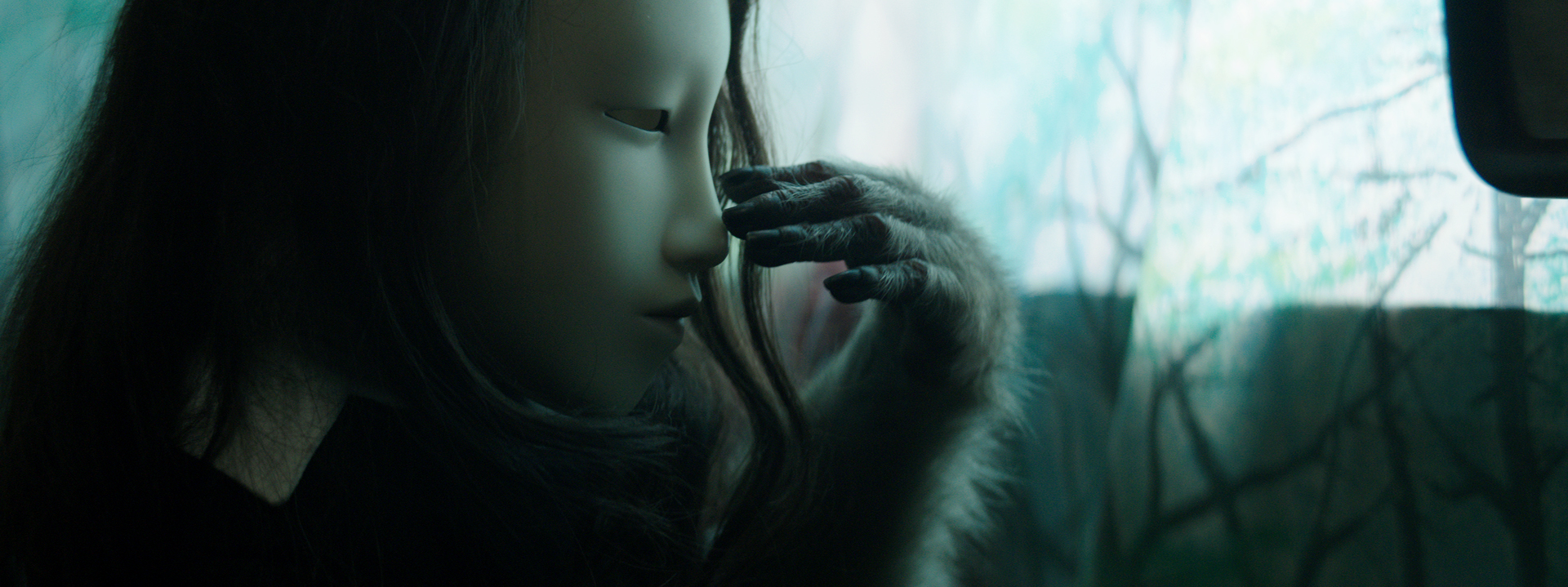 Pierre Huyghe, Untitled (Human Mask), 2014 Pinault Collection © Pierre Huyghe, Courtesy the artist; Marian Goodman Gallery, New York; Hauser & Wirth, London; Esther Schipper, Berlin; Anna Lena Films, Paris.