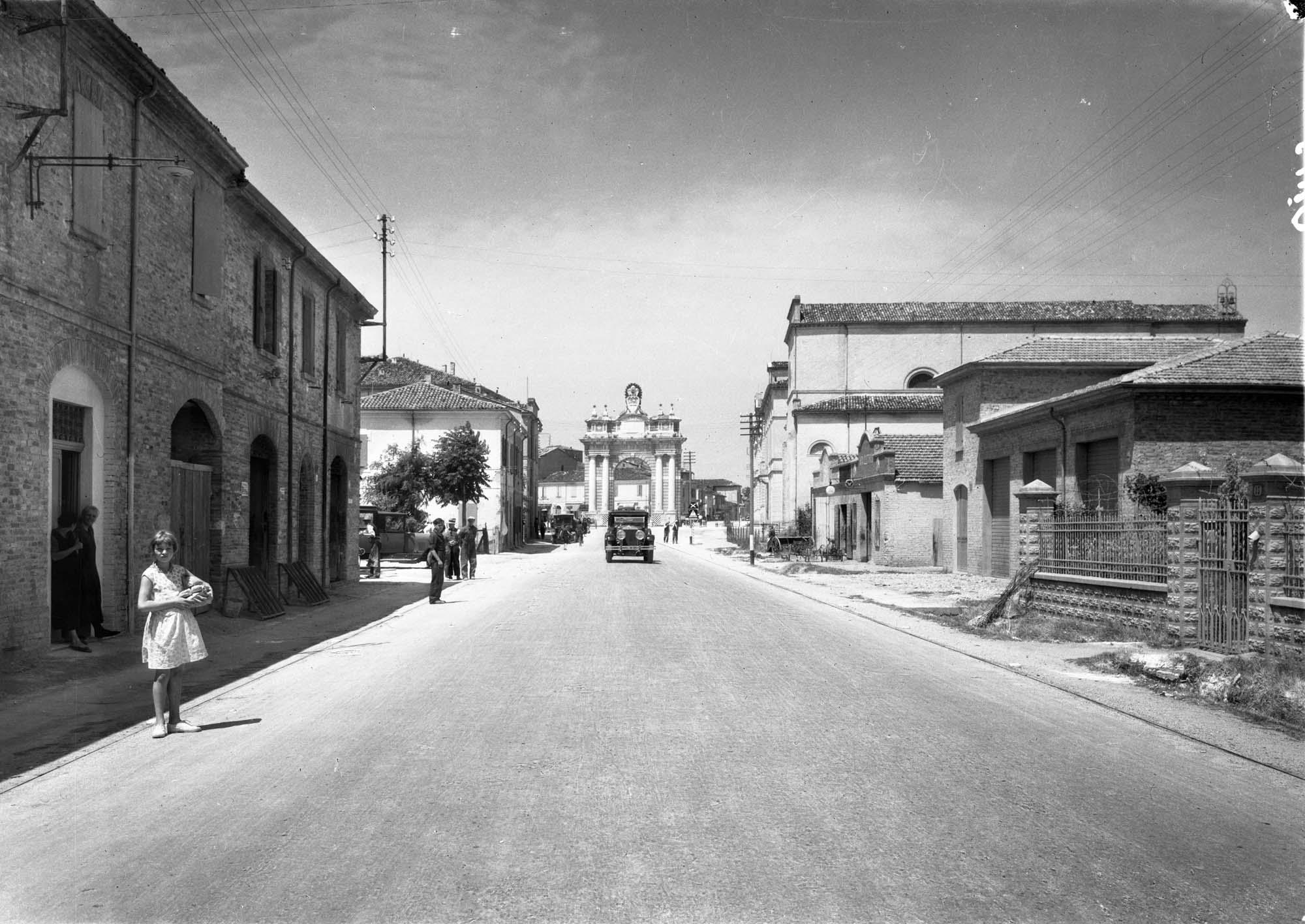 Esplorazioni dell'archivio. Fotografie della Via Emilia