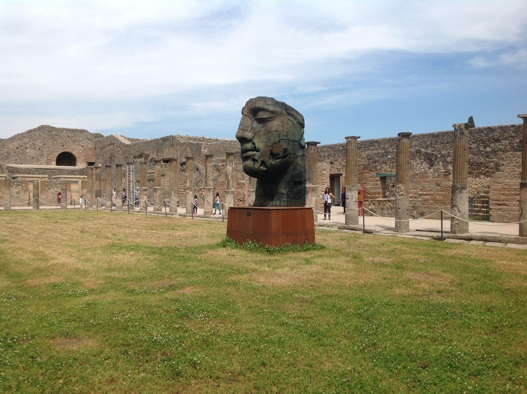 Classico e contemporaneo. Mitoraj a Pompei