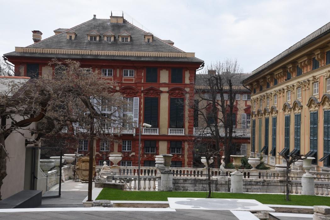 Palazzo Bianco e Palazzo Rosso dal giardino (foto Studio Leoni)