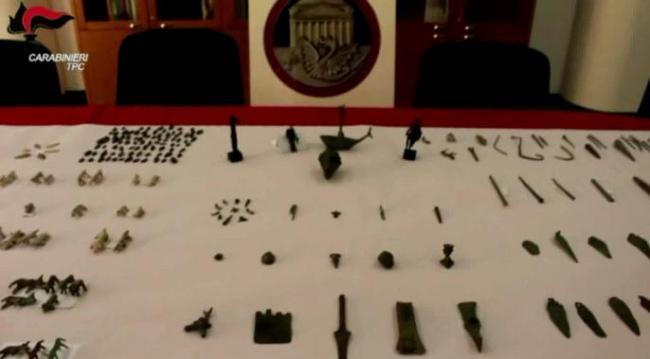 Recuperati 430 reperti archeologici provenienti dalla Svizzera
