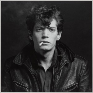 MAPPLETHORPE. LOOK AT THE PICTURES