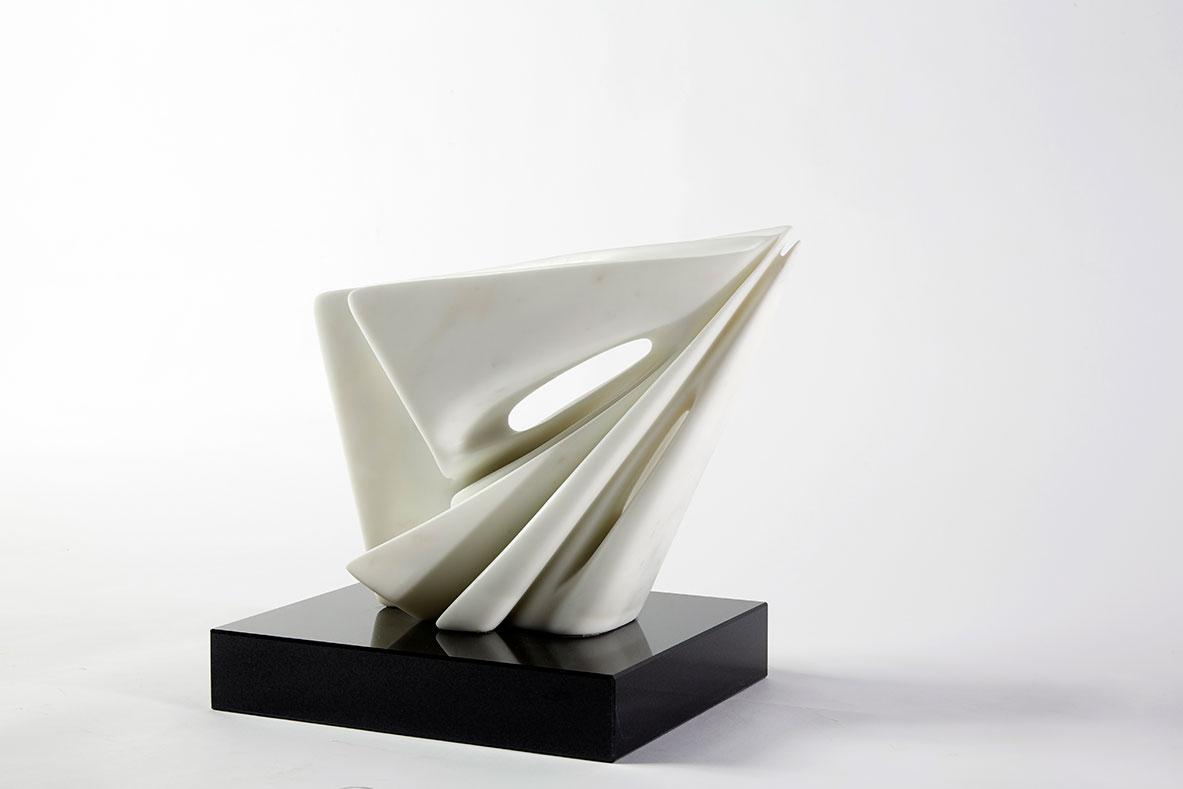 Pablo Atchugarry: lo scultore che accarezza il marmo