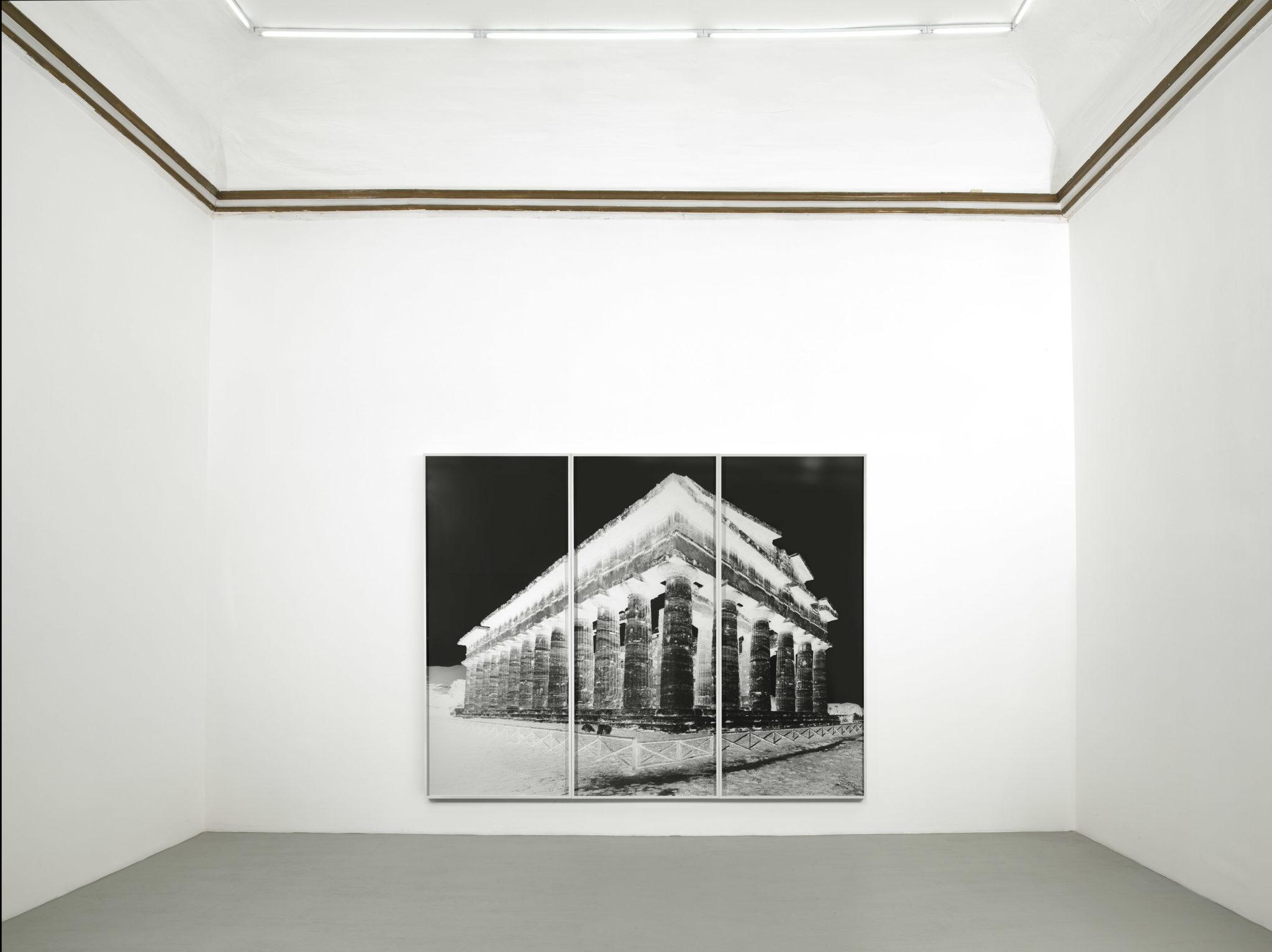Vera Lutter: Paestum. Visioni in bianco e nero