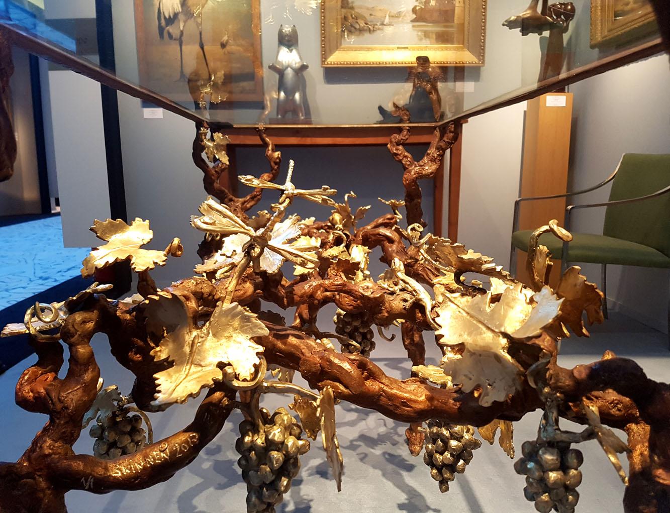 Il tavolo-vigna di Paula Swinnen (Galerie Perrin)