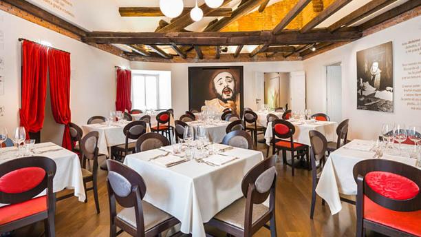 Cucina emiliana in Piazza del Duomo a Milano e musica lirica