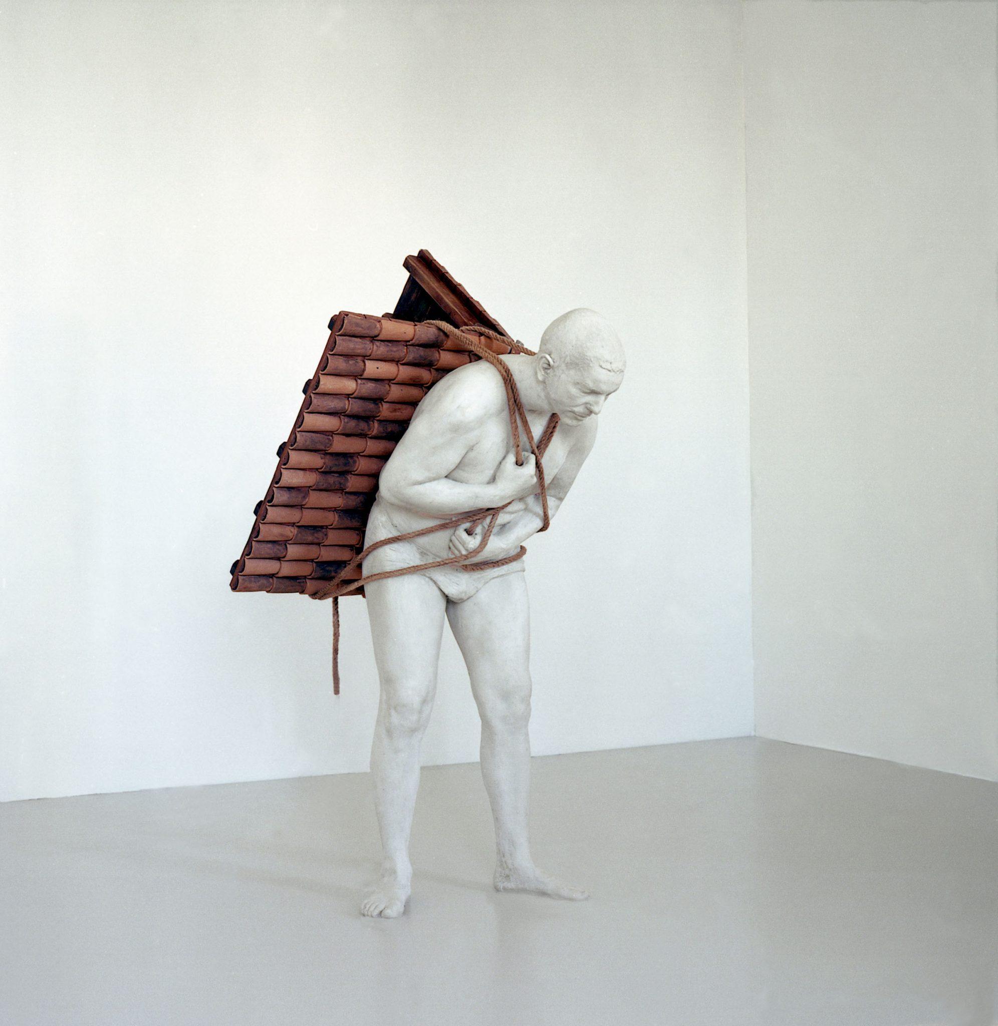 Adrian Paci, Home to go, 2001 mostra Chiostri di Sant'Eustorgio Adrian Paci marzo 2017 Milano