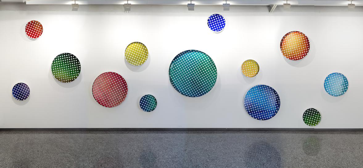 Le 17 sculture a colori di Matteo Negri a Milano