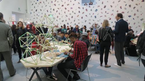 Padiglione delle Esposizioni, Giardini Olafur Eliasson, Green Light – An artistic workshop, 2017 in collaborazione con Thyssen-Bornemisza Art Contemporary