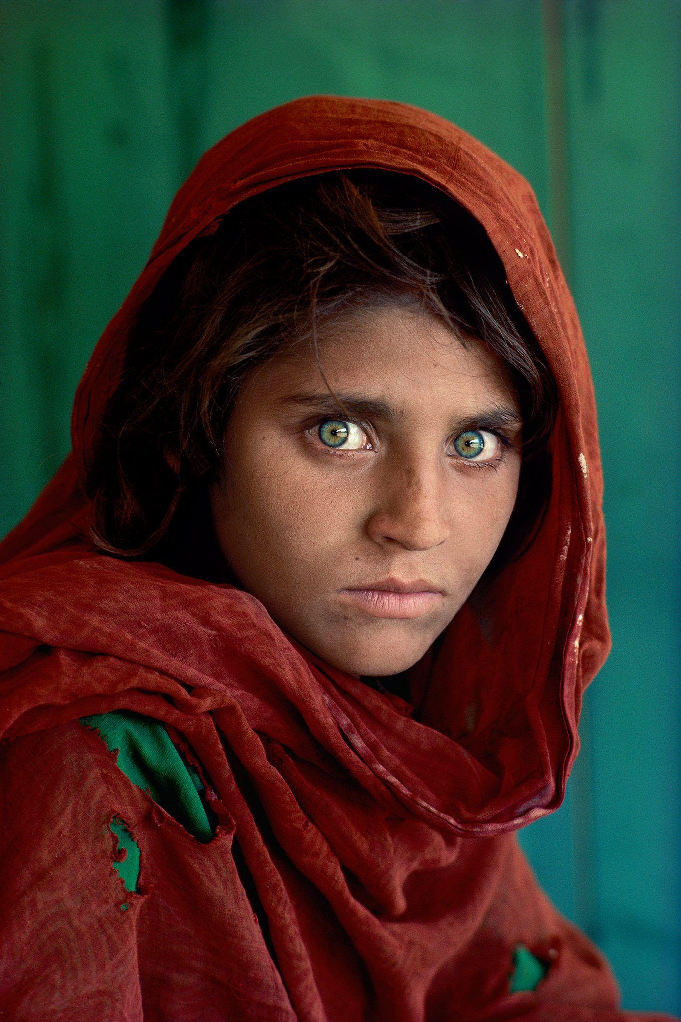 Steve McCurry, La ragazza afghana, Peshawar, Pakistan, 1984, Museo Civico Sansepolcro