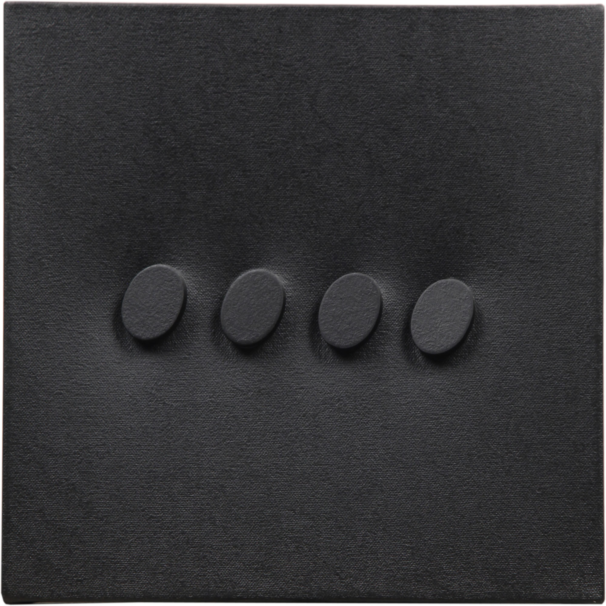 Turi Simeti, 4 ovali neri, 2016, 30x30 cm. Courtesy Archivio Turi Simeti