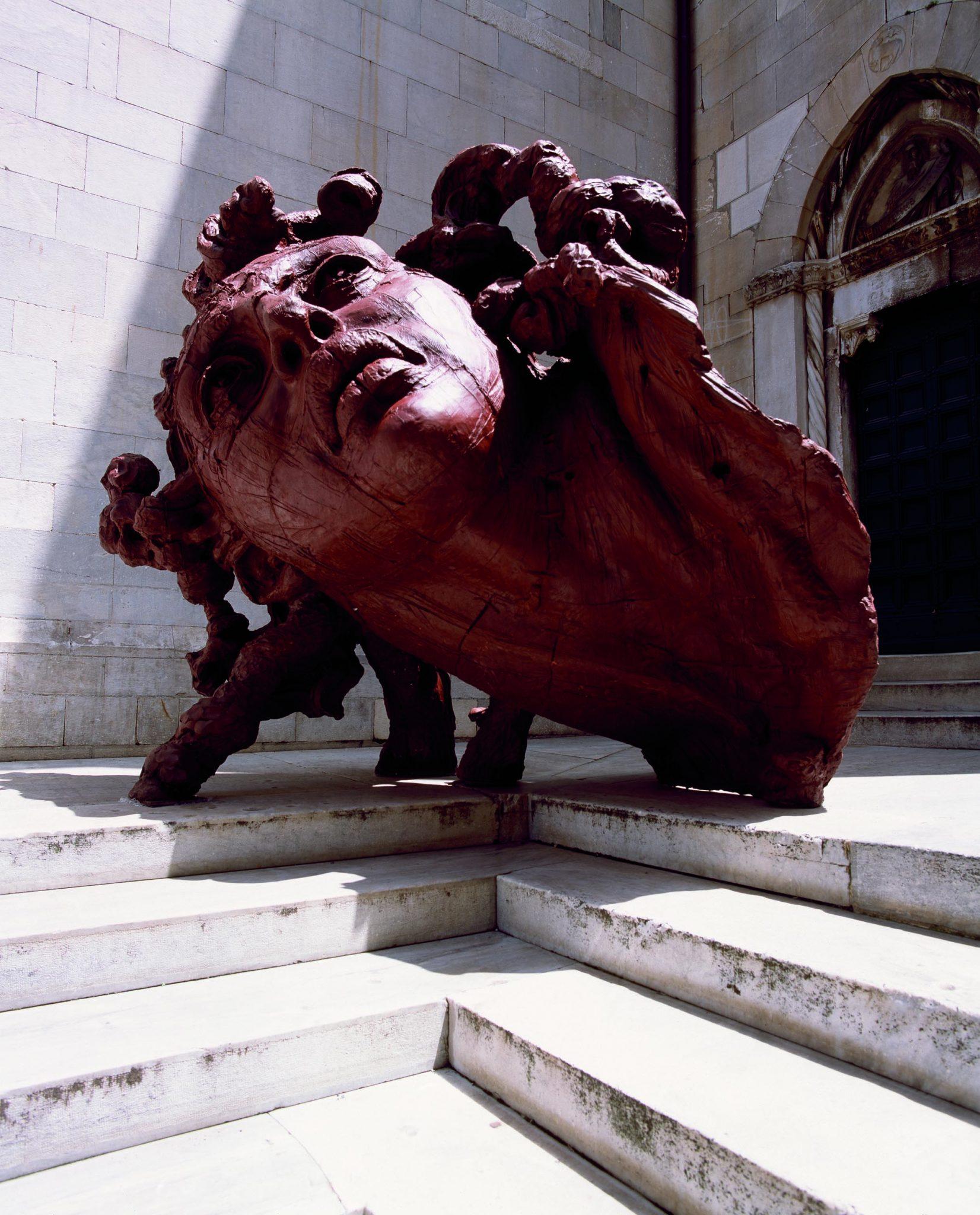 le imponenti sculture di Javier Marin al Labirinto di Franco Maria Ricci
