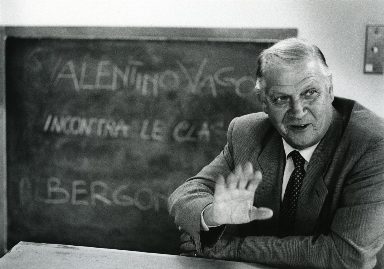 È morto a 86 anni Valentino Vago, uno dei maestri della pittura astratta italiana