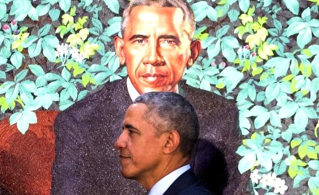 Barack Obama con il ritratto di Kehinde Wiley