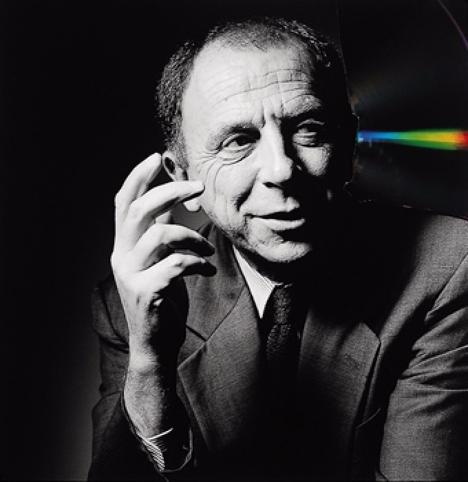 Morto a 78 anni Getulio Alviani. Protagonista dell'arte cinetica e programmata italiana