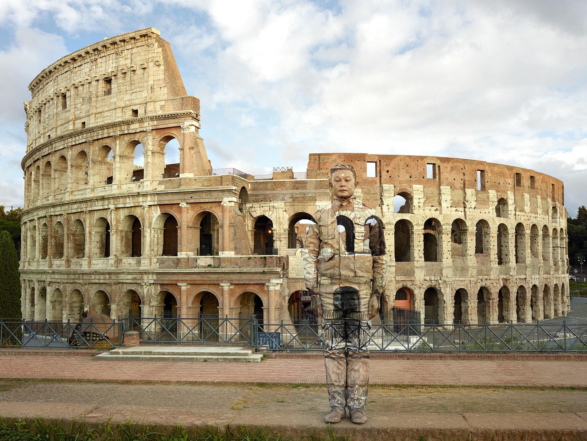Liu Bolin - Colosseo n°2, Roma, 2017 Courtesy Boxart, Verona