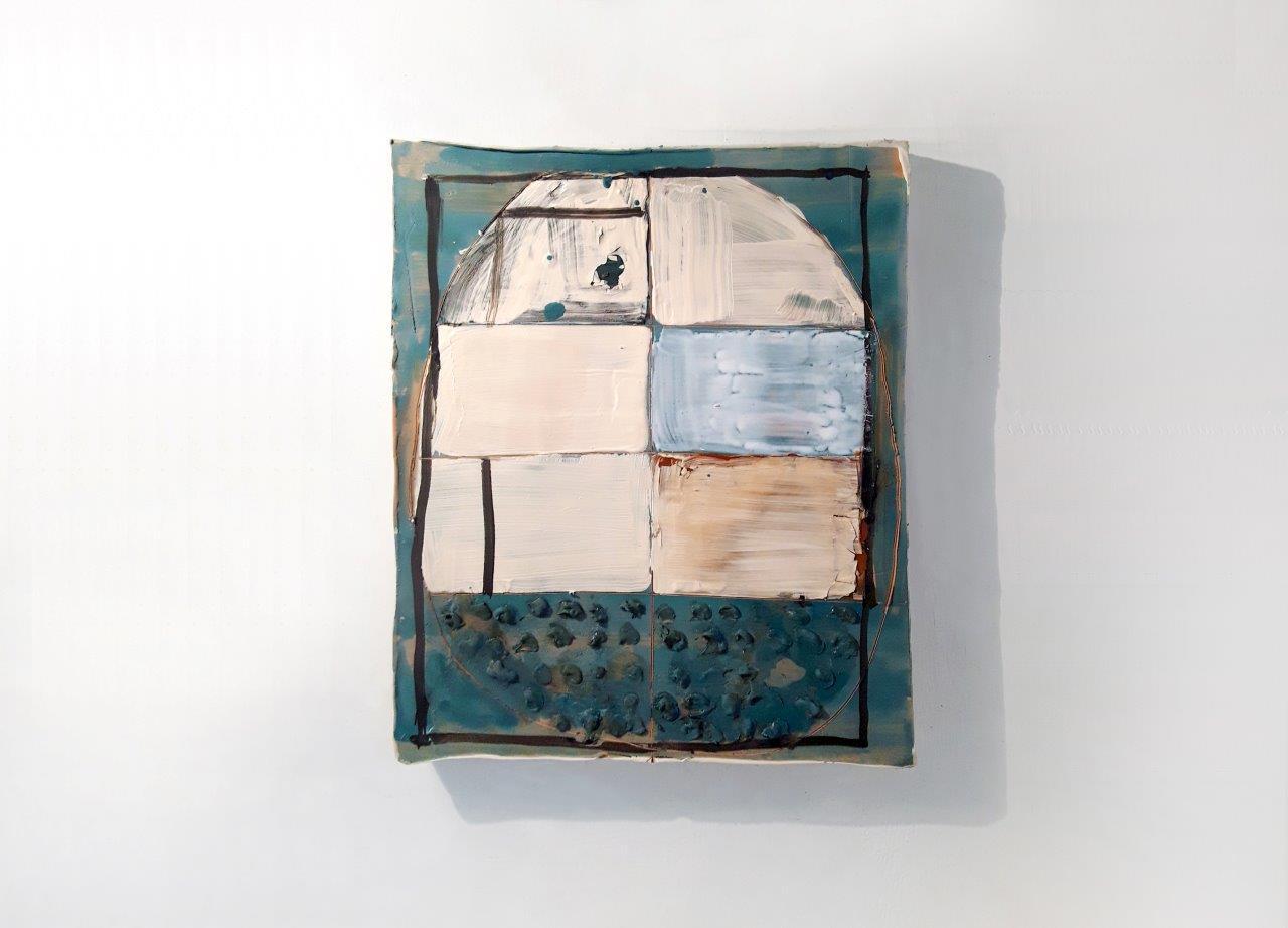 """Mirco Marchelli """"Bella cera"""" 2018, ceramica dipinta e smaltata 42x44x5cm, courtesyofmarcorossiartecontemporanea, Milano"""