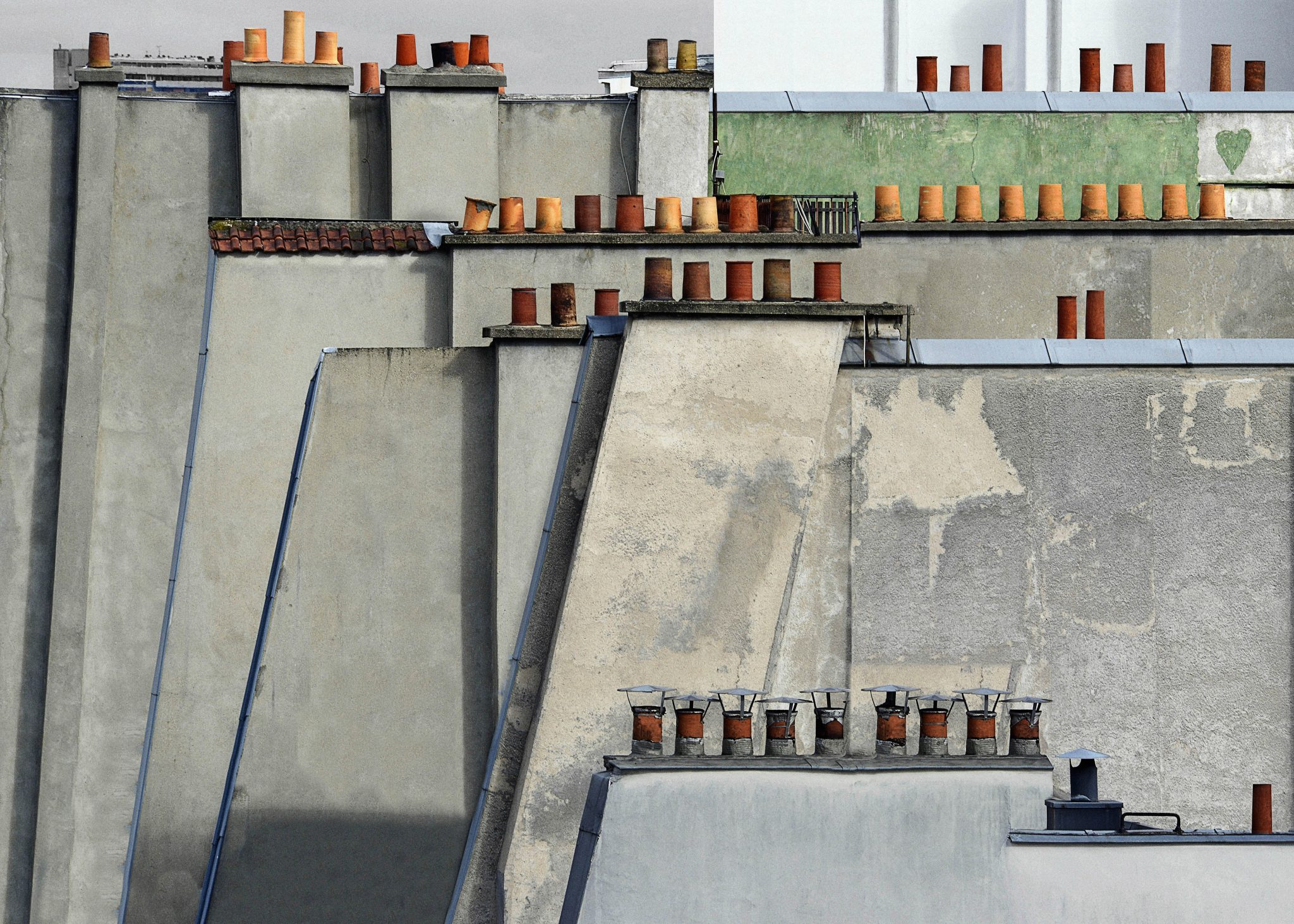 ©Michael Wolf Paris Rooftops Paris, 2014 Digital C-prints, wooden frame, museum glass 105 x 145,5 cm