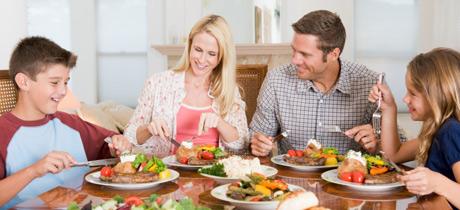 Il segreto per ritornare in forma dopo le feste è mangiare lentamente