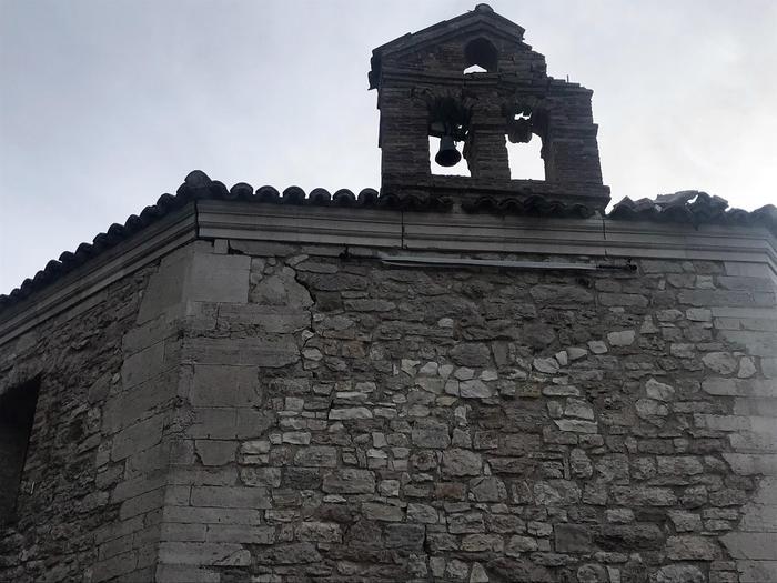Terremoto: il campanile della chiesa del '600 Santa Maria di Varano' a Muccia (MC) Foto di Gianluigi Basilietti RIPRODUZIONE RISERVATA © Copyright ANSA