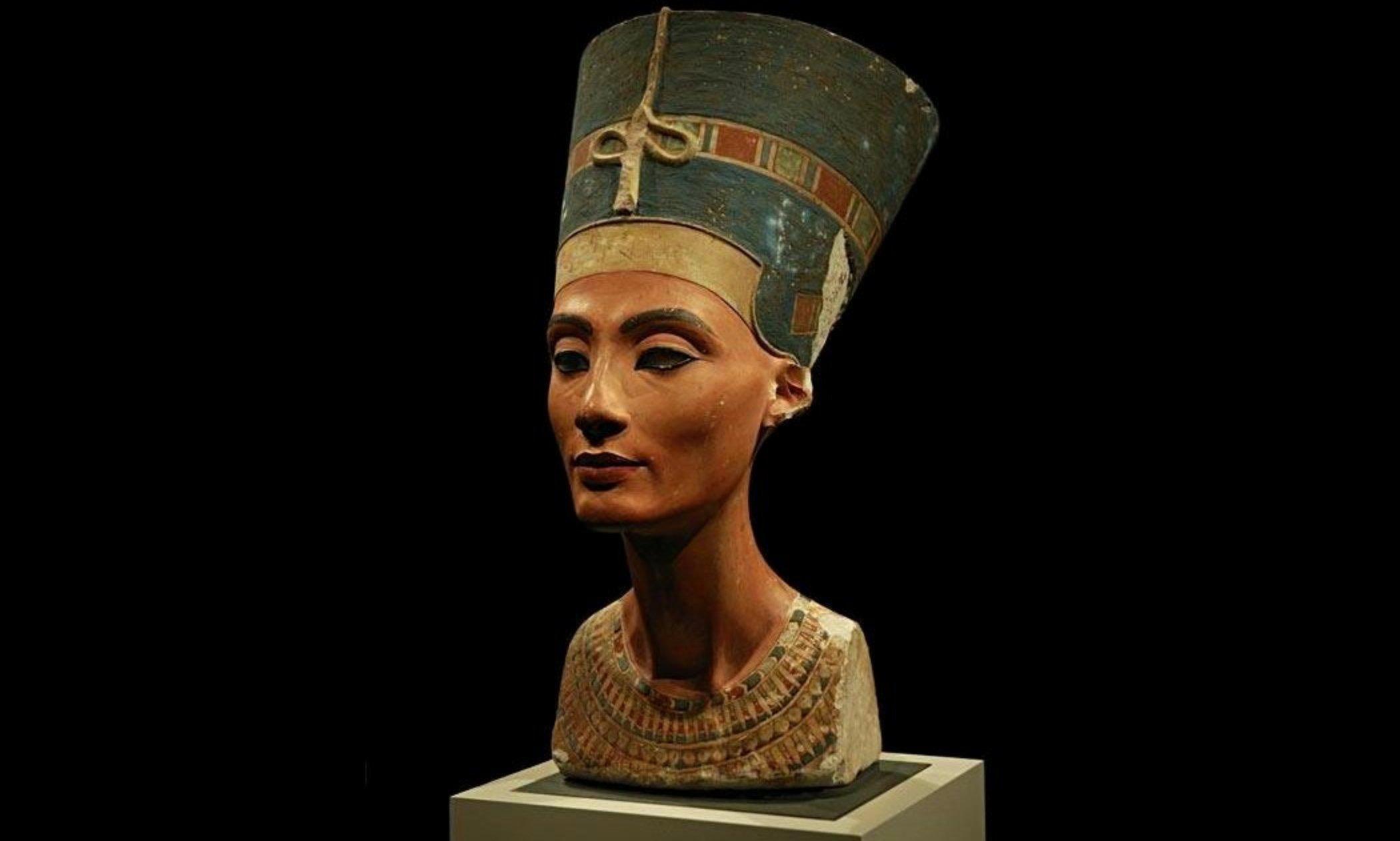 Il busto di Nefertiti, al Neues Museum di Berlino