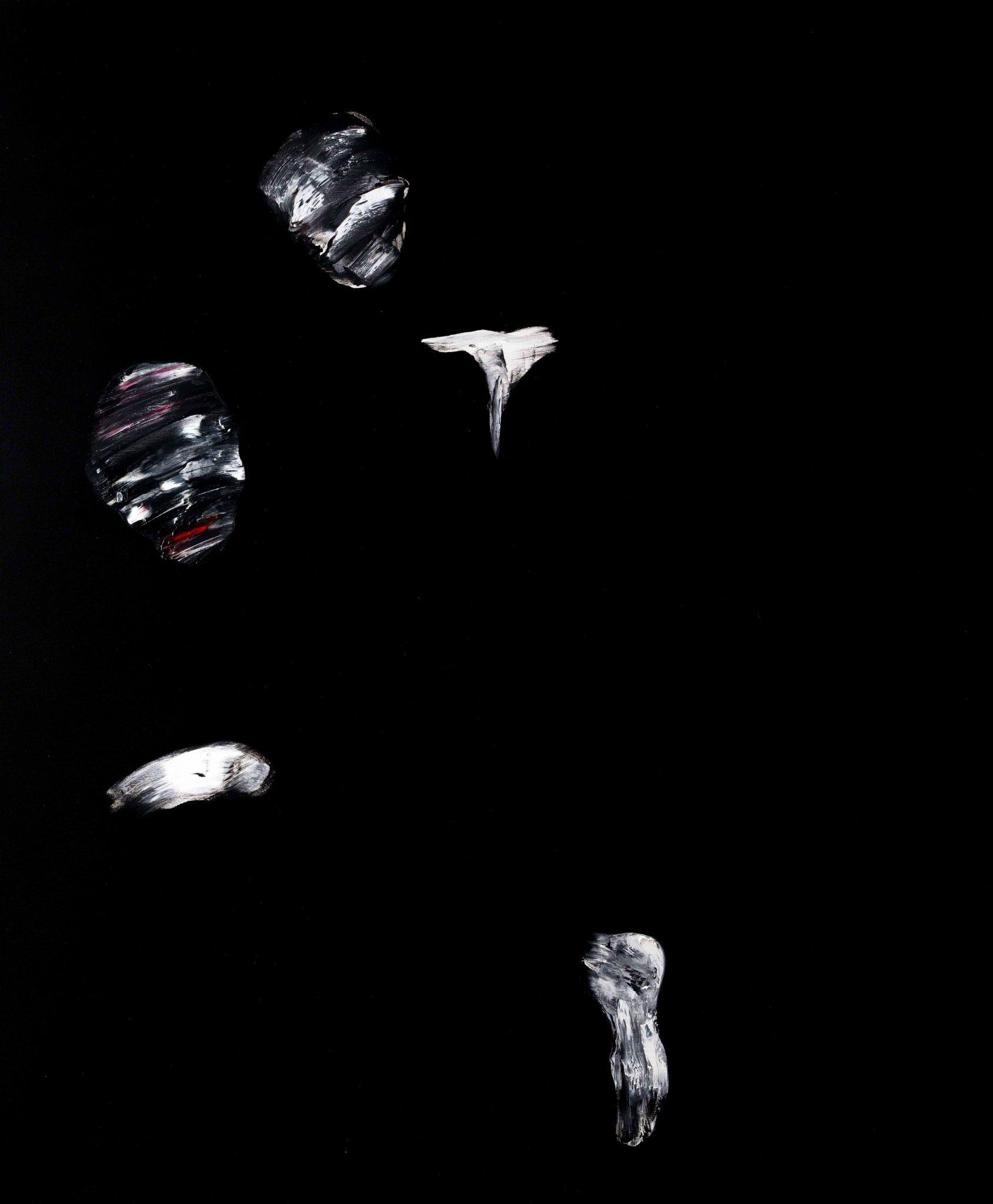 Gli elementi di luce di Lorenzo Puglisi allo Studio Guastalla di Milano